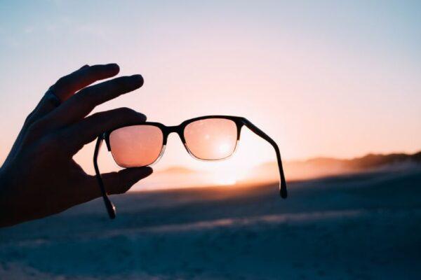 10 Trendy SunGlasses Brands !